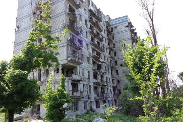 Багатоповерхівка в Донецьку