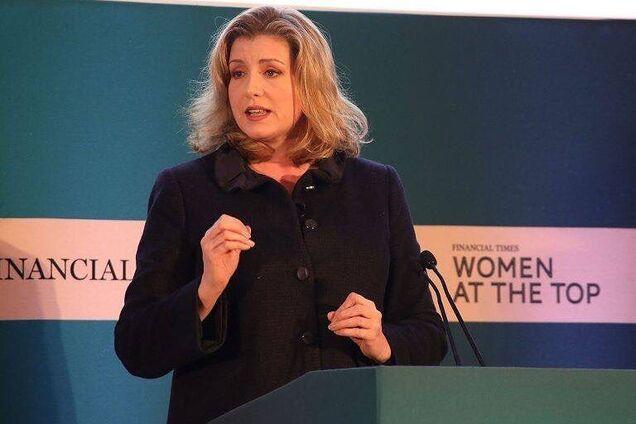 Новий міністр оборони Британії: хто вона і як виглядає
