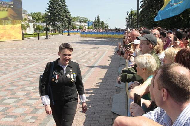 C орденами на груди: появились фото нарядной Савченко на инаугурации Зеленского
