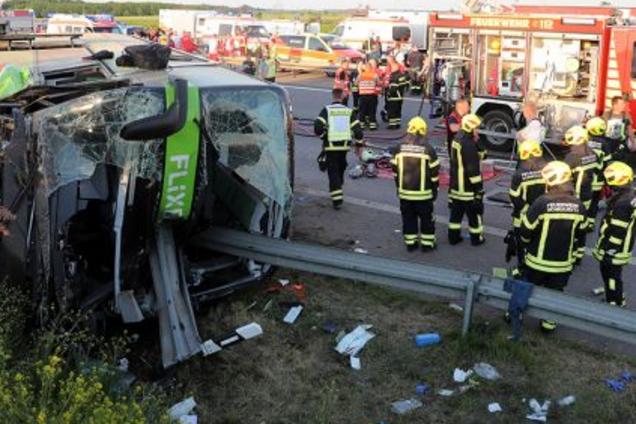 В Германии разбился пассажирский автобус