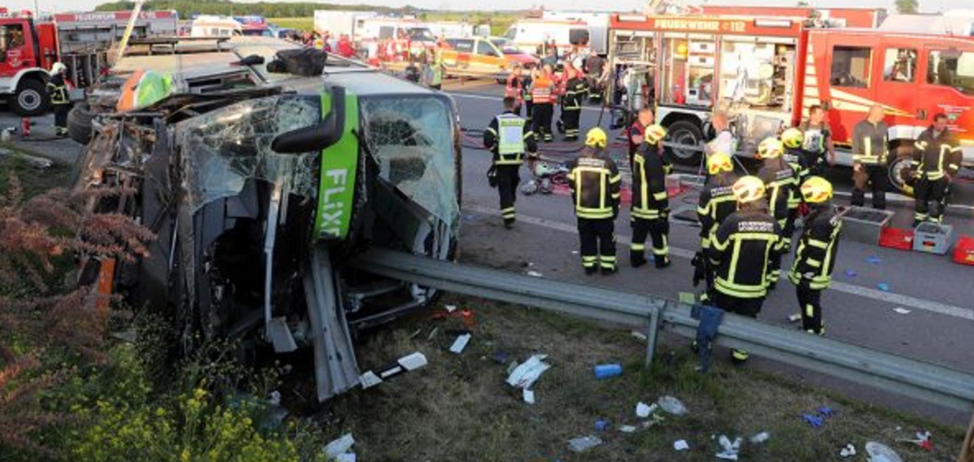 У Німеччині розбився пасажирський автобус
