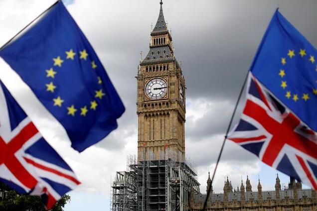 Brexit Великобританії: уряд підтримав Мей