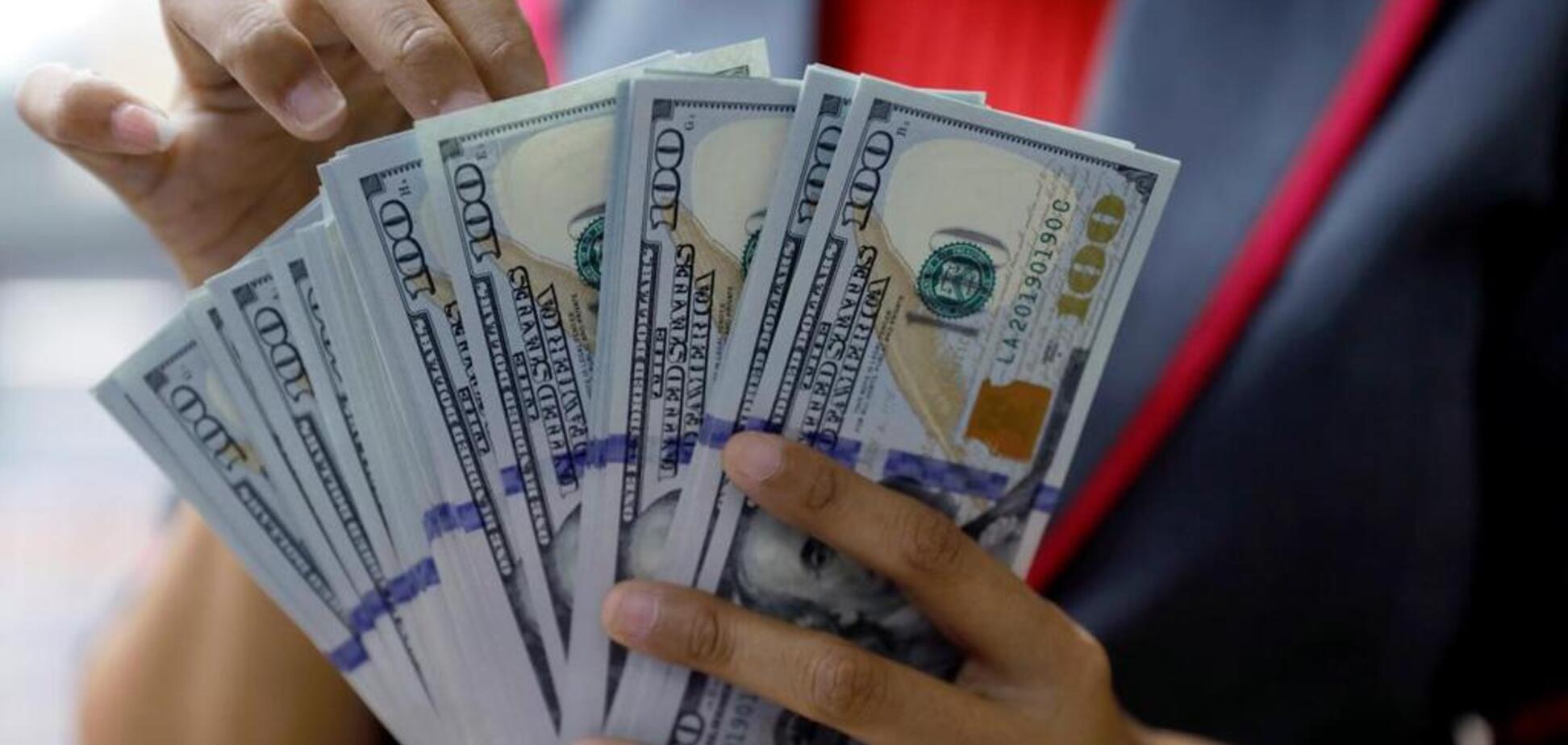 США пригрозили покарати країни через курс долара: кому загрожує