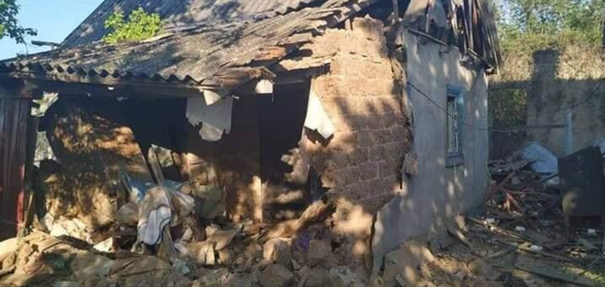 Обстрел террористами домов на Донбассе
