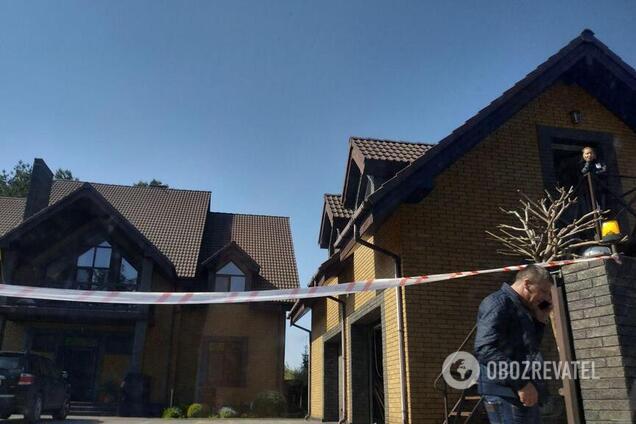 Под Киевом с оружием напали на дом известного нардепа