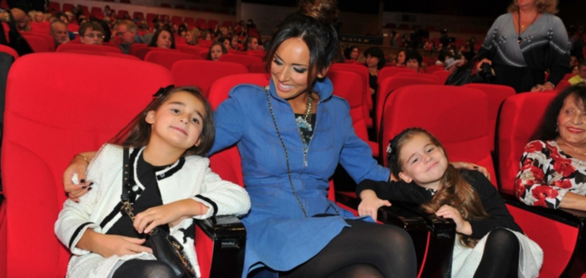 Алсу з дочками