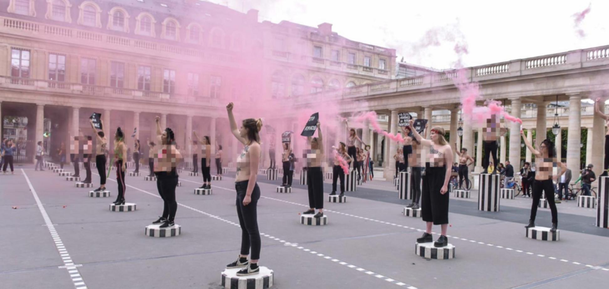 Femen устроили массовую акцию в центре Парижа: фото и видео