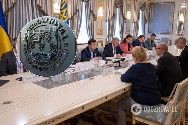 Украинцев ждет новый курс доллара, а мир — масштабная угроза: отчет МВФ
