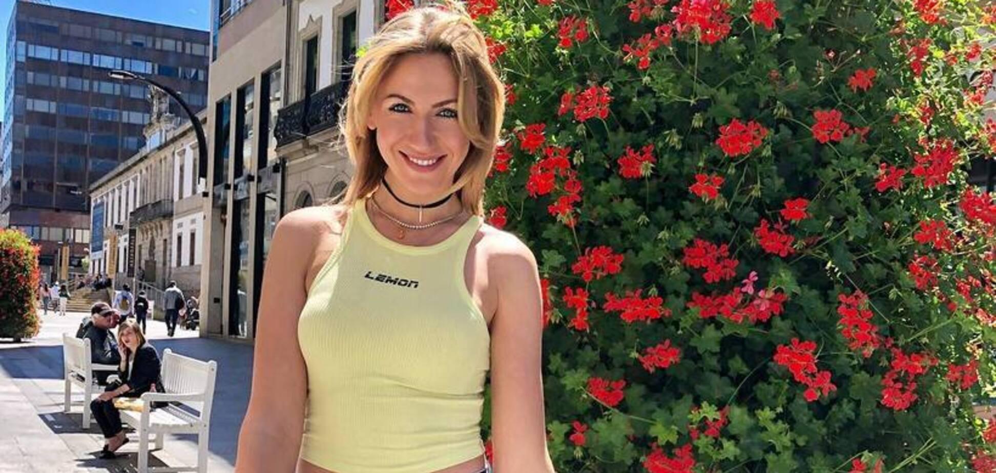 Раздетая Леся Никитюк показала, как готовится к футболу в Испании