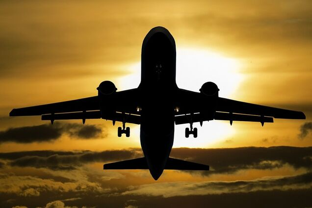 Советы родителям, чтобы ребенок не кричал в самолете