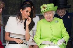 Королева Єлизавета і Меган Маркл