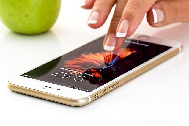 Телефон в моменты безделия и скуки: как проводить меньше времени в сети