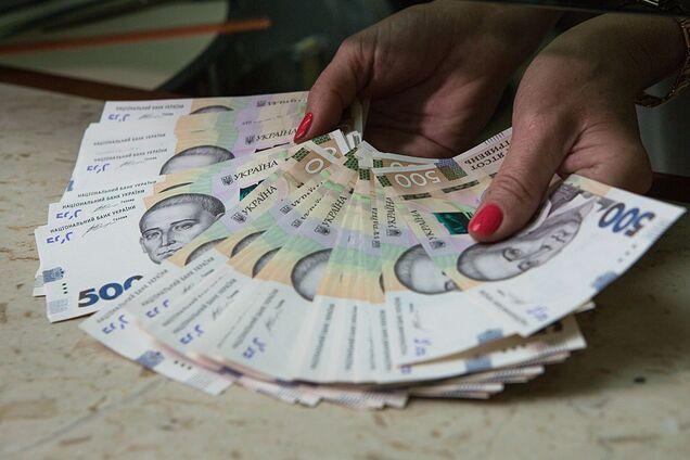 Пенсии повысили на 18%: названы размеры новых выплат