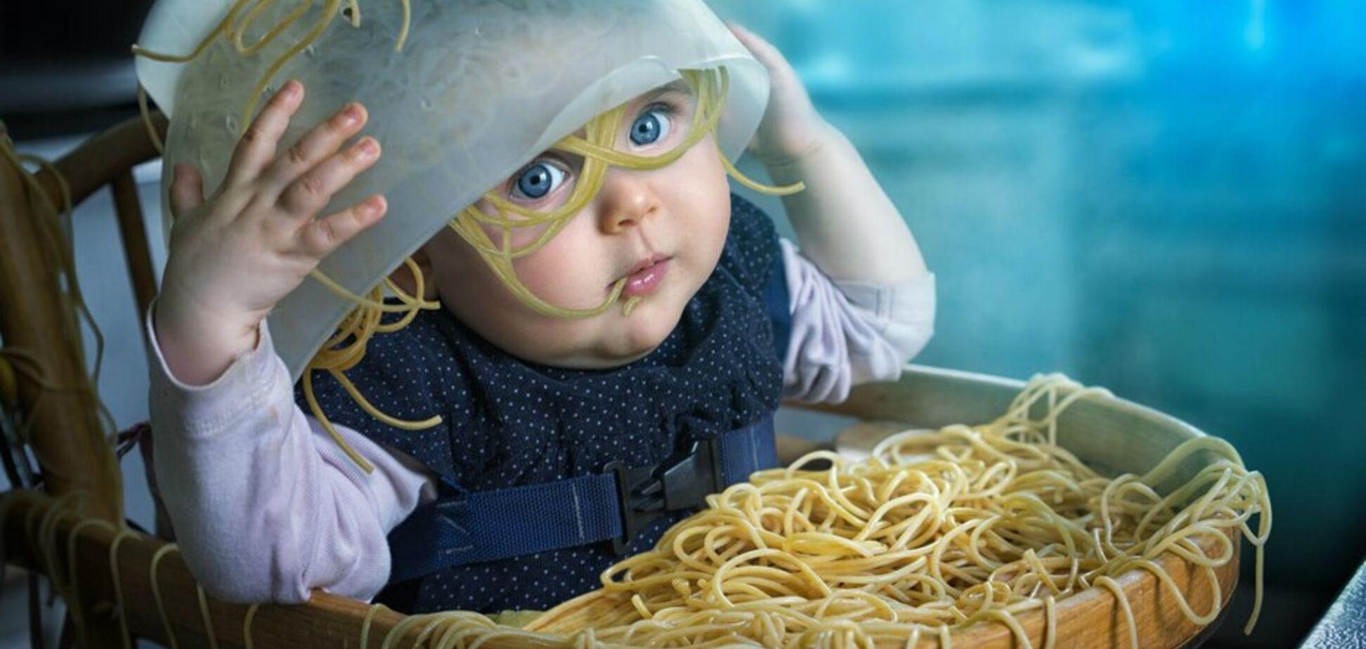 'Гру престолів' і 'дитячу' проблему в ресторанах зв'язали в мем