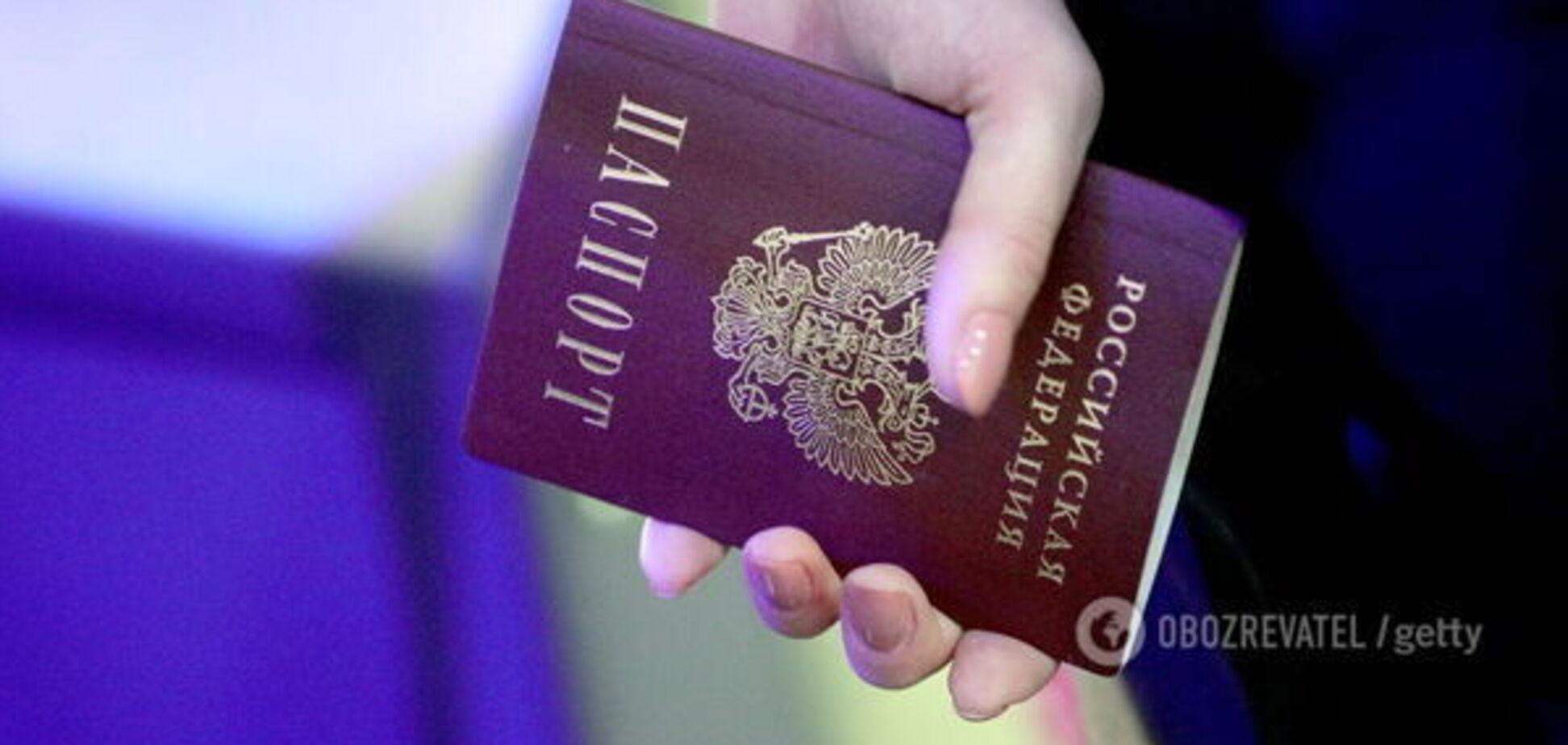 Радикальный шаг Украины по российским паспортам на Донбассе: у Путина нагло ответили