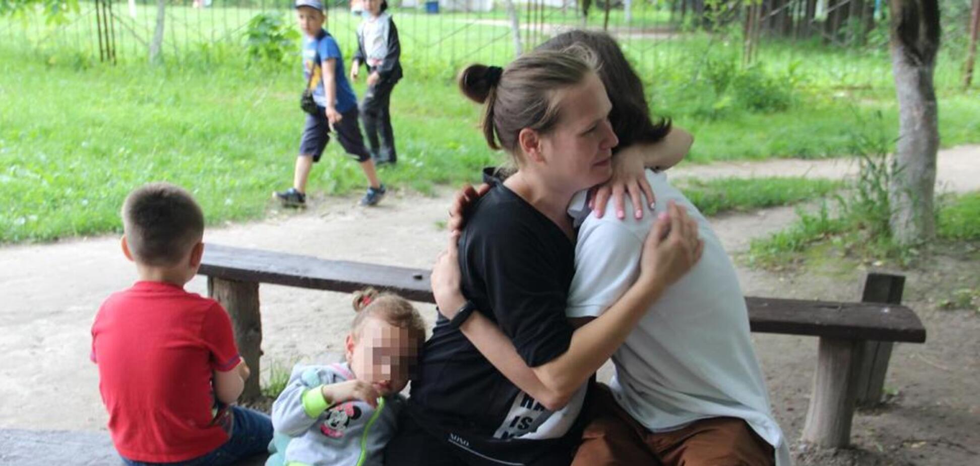 Прыгнул без раздумий: в Житомире юный герой спас двух малышей из реки
