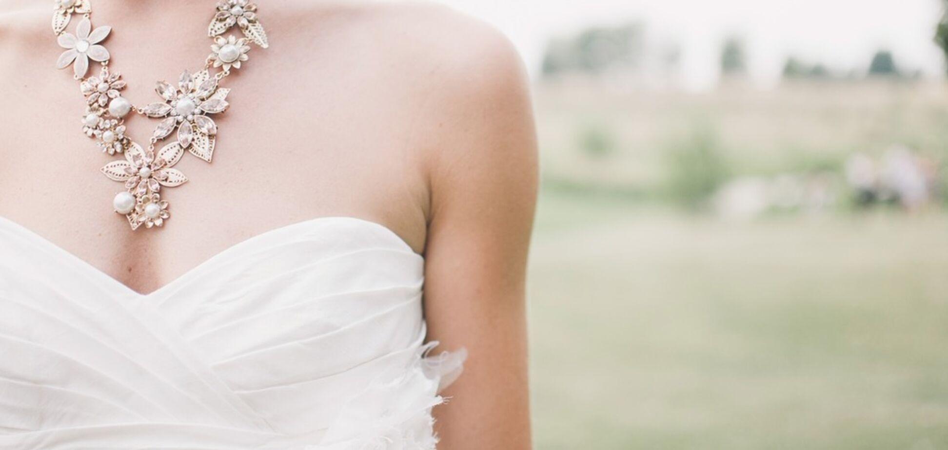 Наречену привела в лють крадіжка її їжі на весіллі