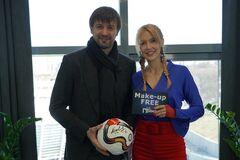 'Я не видел ни одного контракта', - Александр Шовковский в блиц-шоу 'БЕЗ ГРИМА'