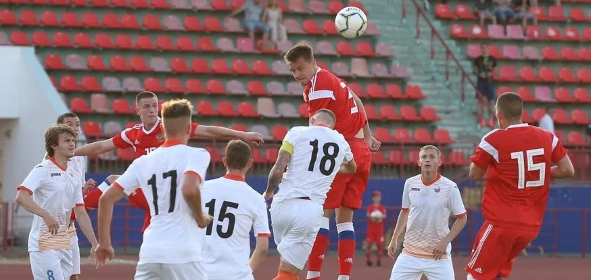 Збірна Росії U-20 пропустила ганебний гол від воротаря з чужої половини поля: відео курйозу