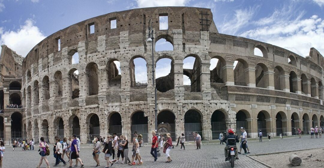 В Риме ужесточили правила для туристов: в чем суть