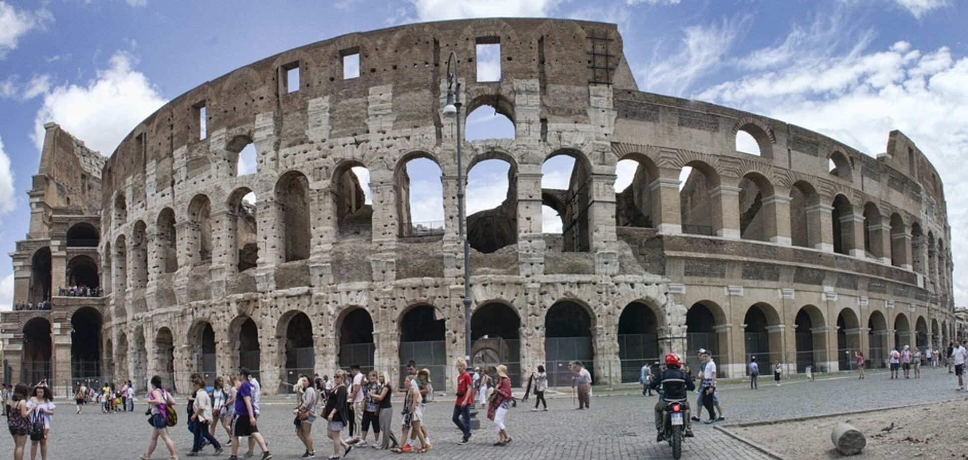 У Римі посилили правила для туристів: у чому суть