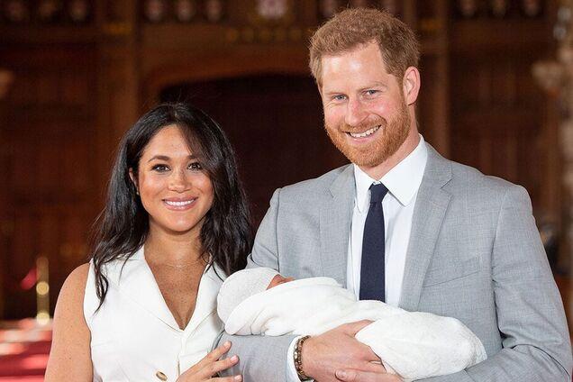 Меган Маркл и принц Гарри показали малыша: трогательное фото