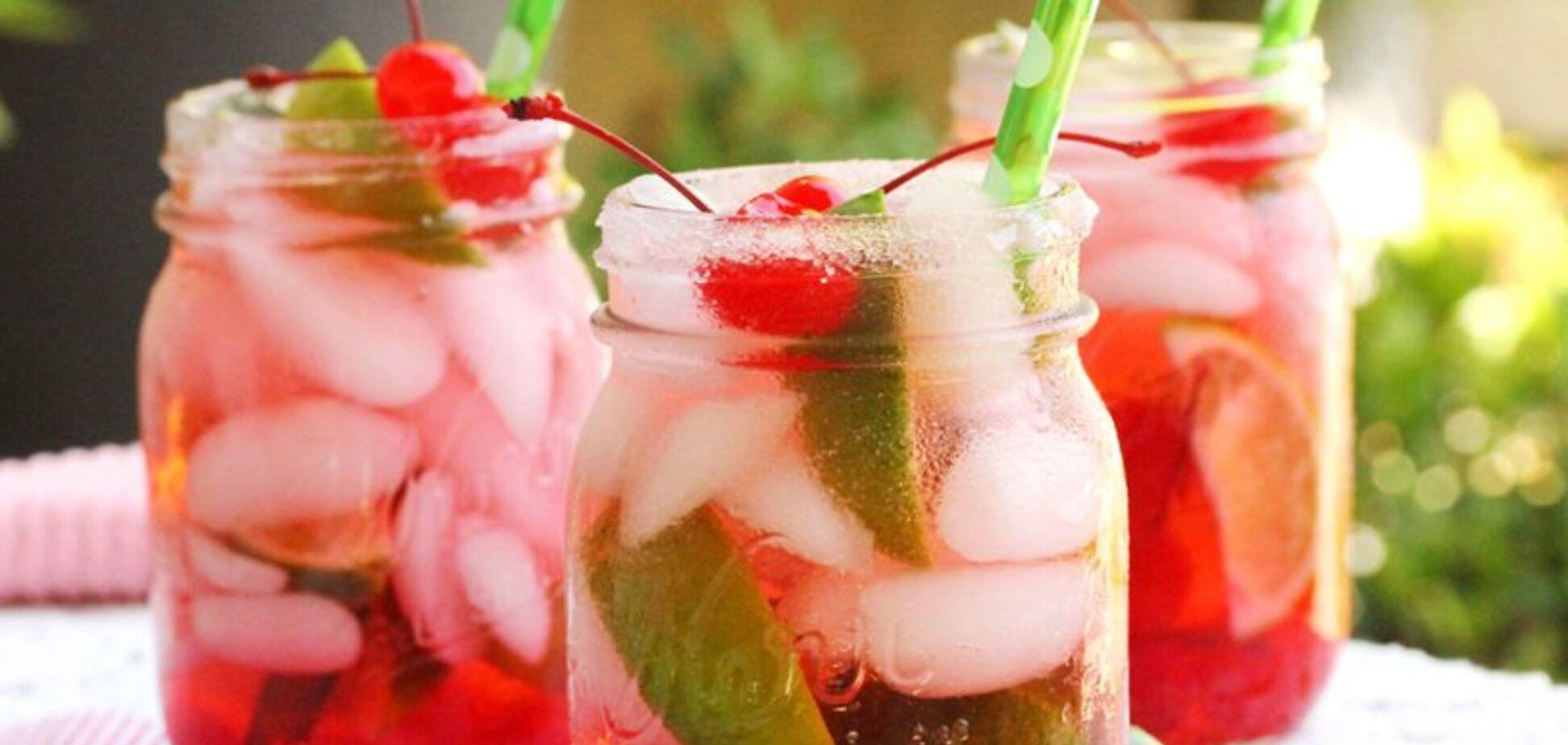 Простий рецепт освіжаючого черешневого лимонаду
