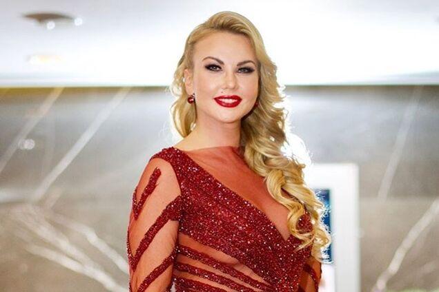 """""""Королева морей"""": самая богатая певица Украины оголилась в Испании"""