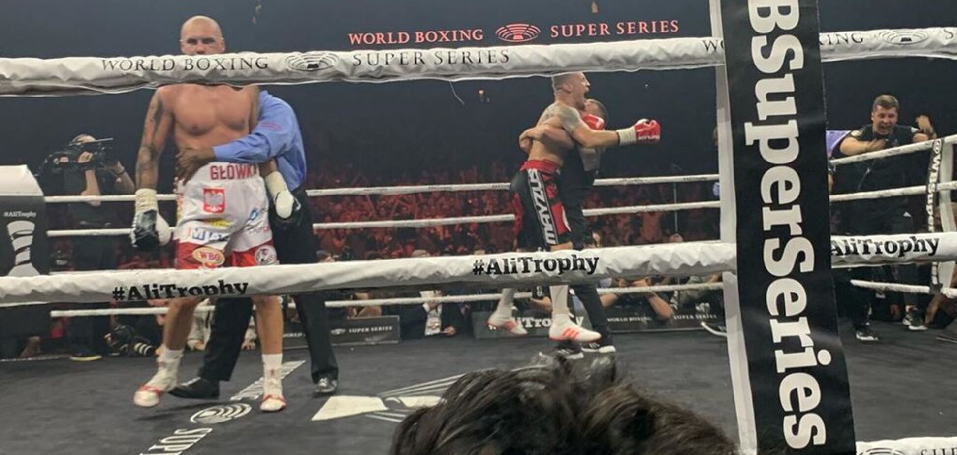 Суперсерия бокса: экс-соперник Усика подал протест на результат скандального боя