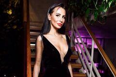 'Скелет, груди зроблено': гола російська телеведуча налякала мережу худорбою