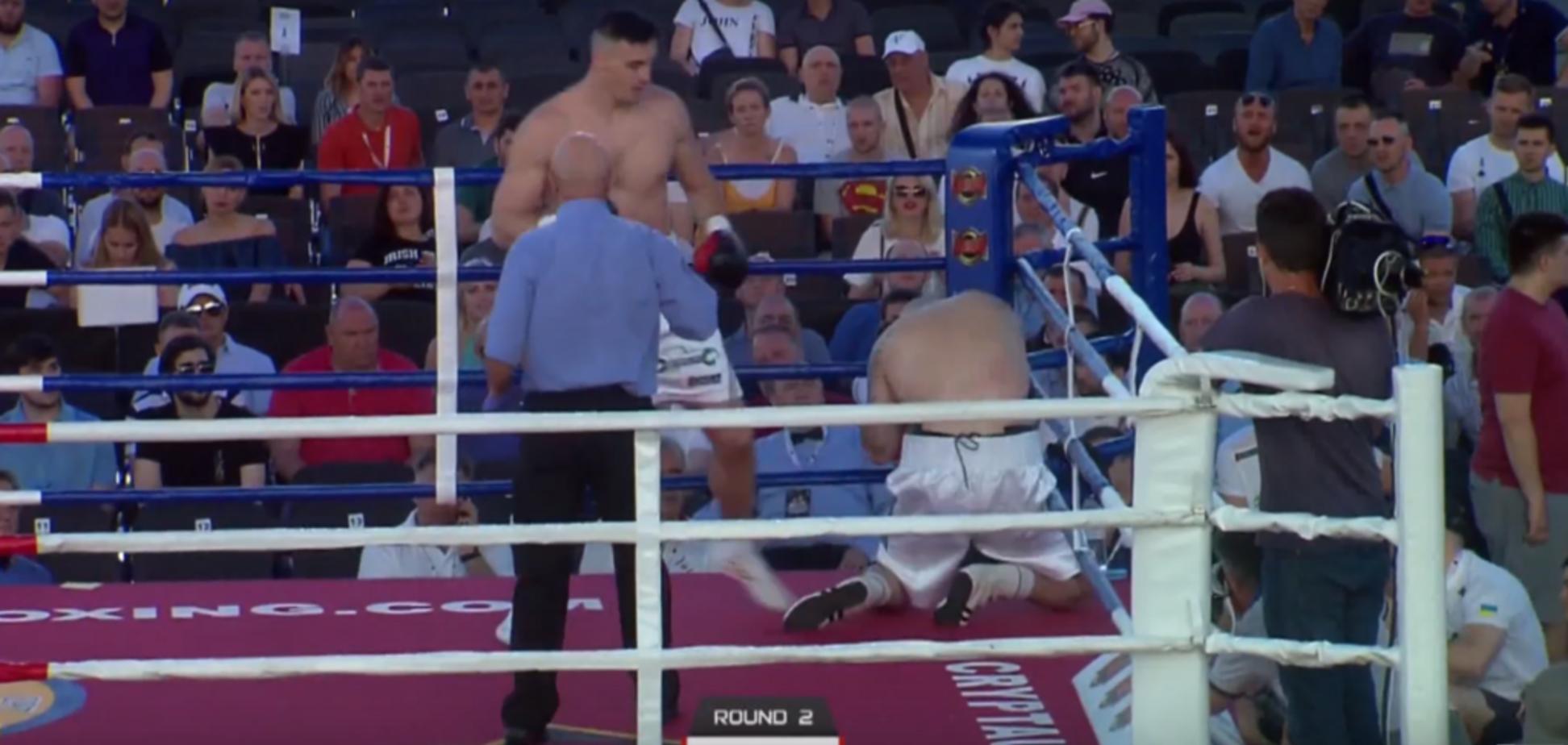 Непобедимый украинский боксер победил кровавым нокаутом: появилось видео