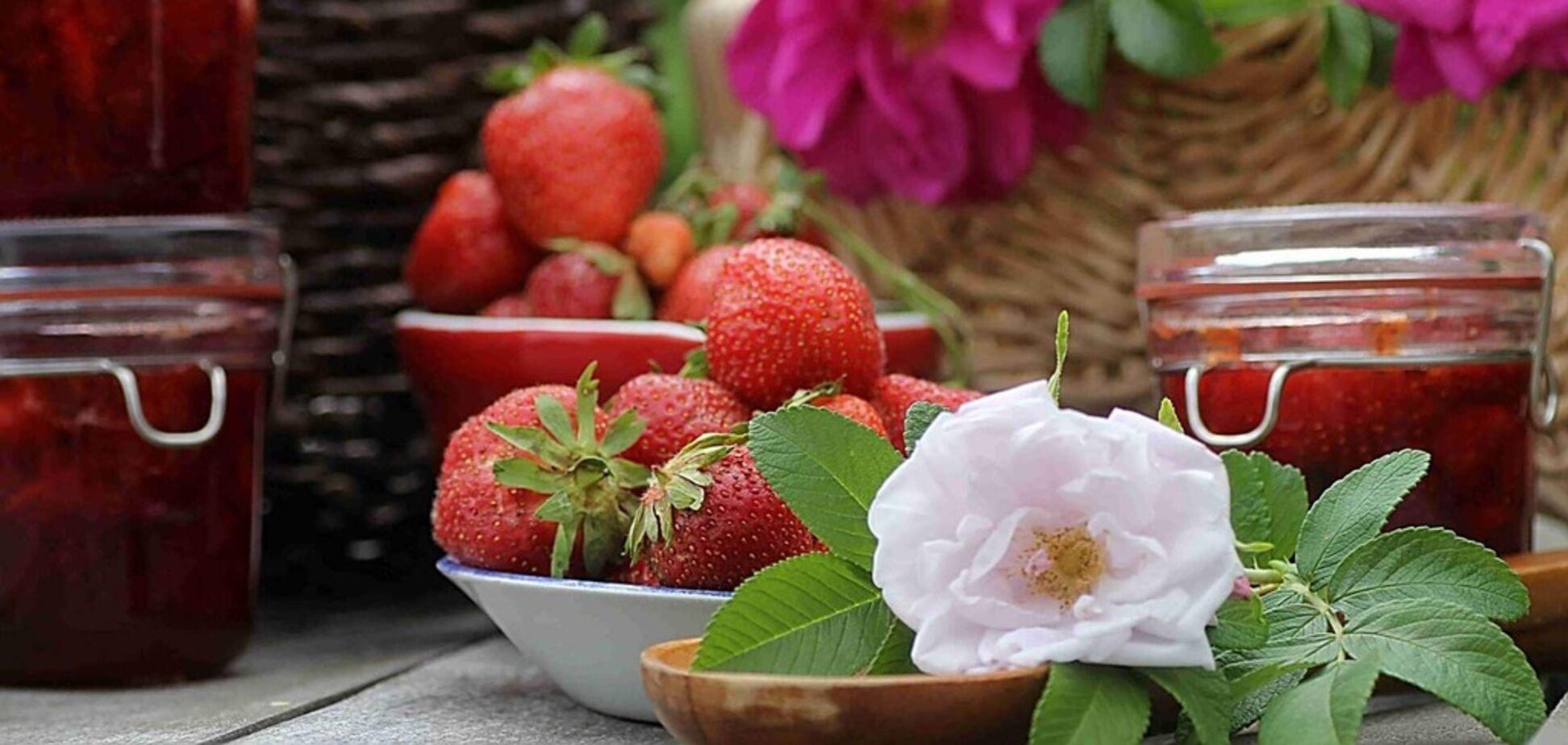 Рецепт з секретом: варення з полуниці і пелюсток троянд