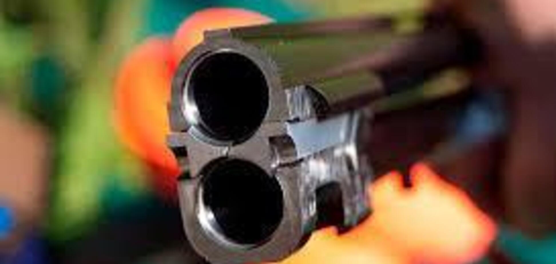 Под Харьковом отец застрелил сына и покончил с собой
