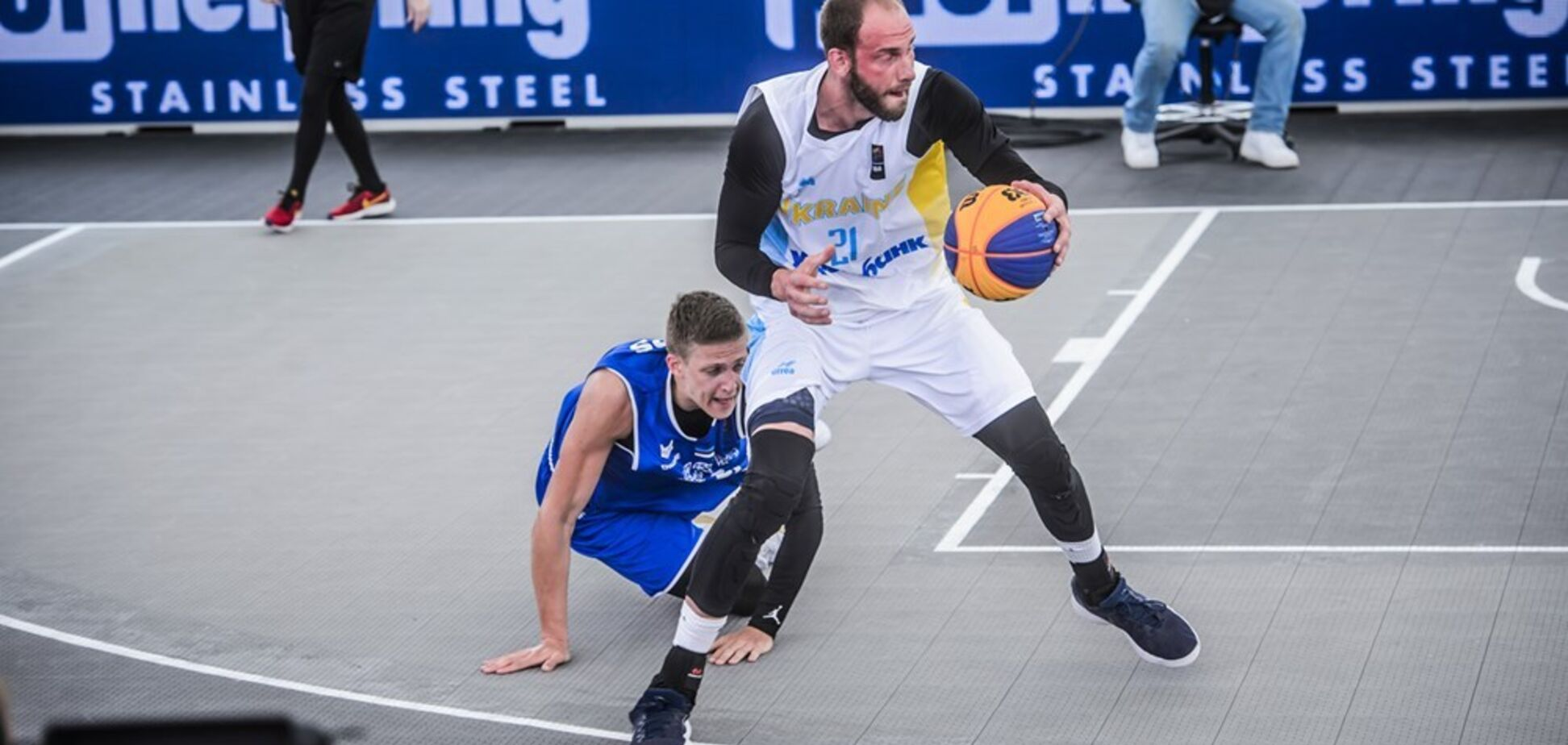 Украинцы вышли в четвертьфинал ЧМ по баскетболу 3х3, опередив Россию