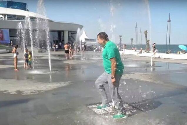 Саакашвілі пробігся через фонтан