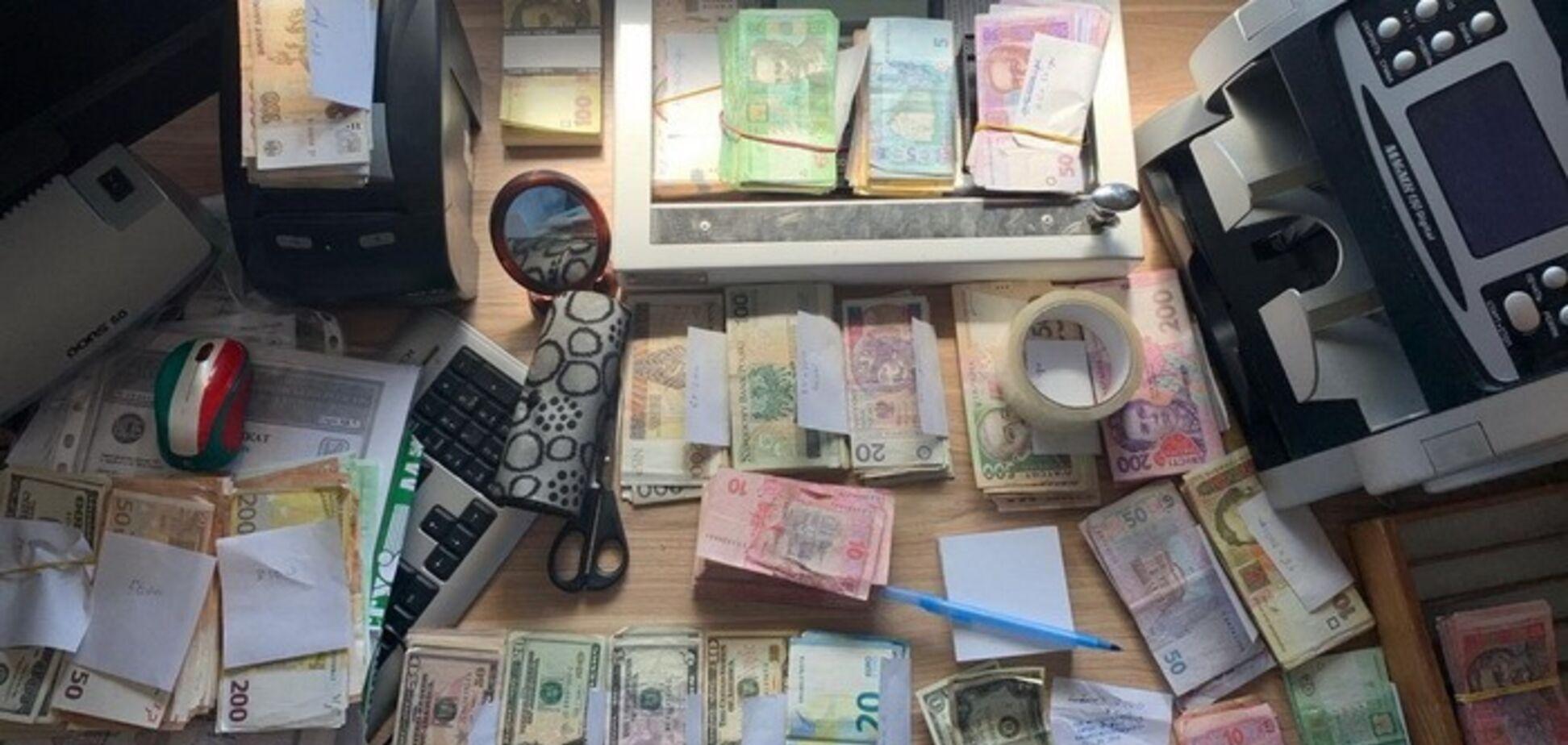 Миллионы гривен! В Киеве 'накрыли' канал финансирования 'ДНР'