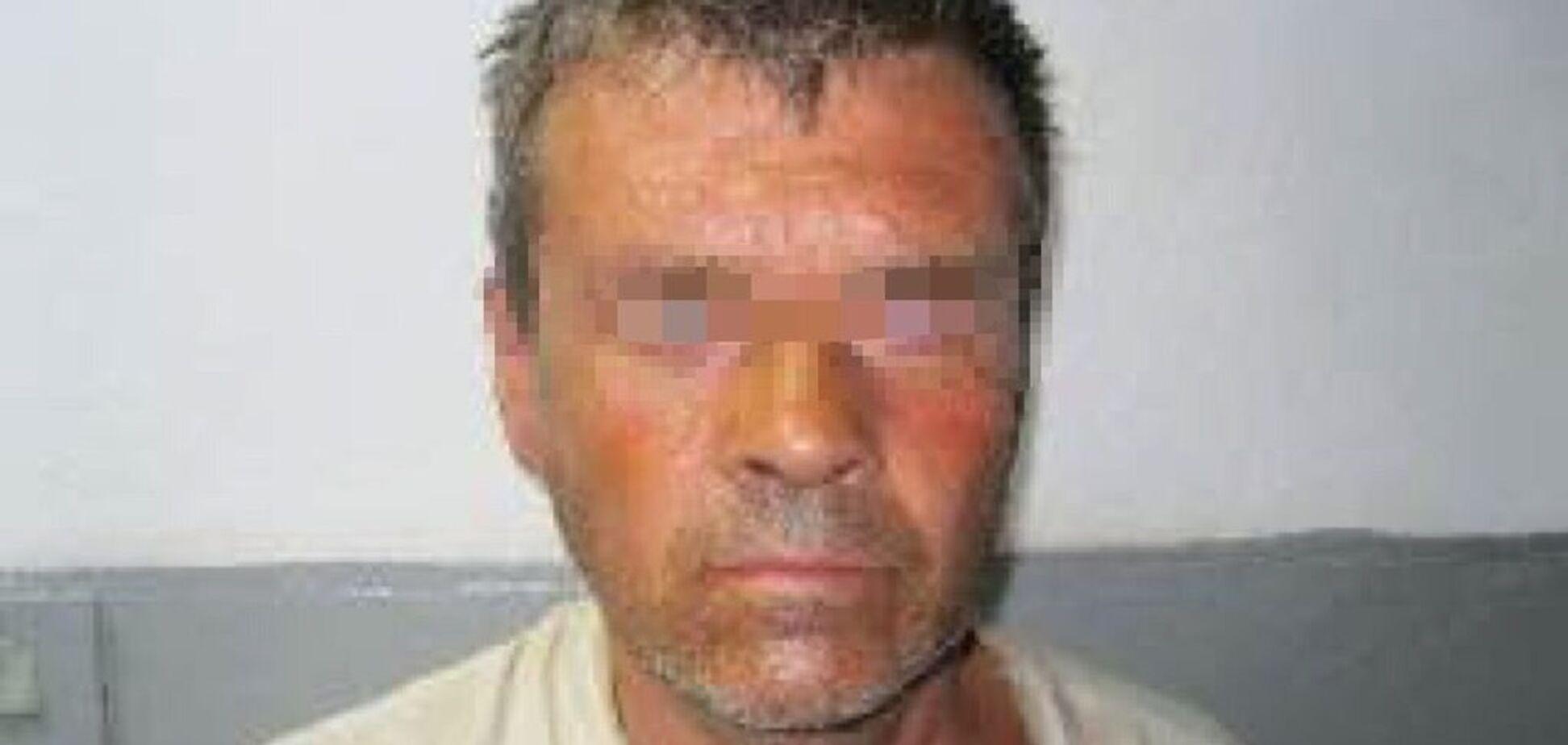 Представлялся врачом и раздевал: на Черниговщине задержали 'серийного' педофила