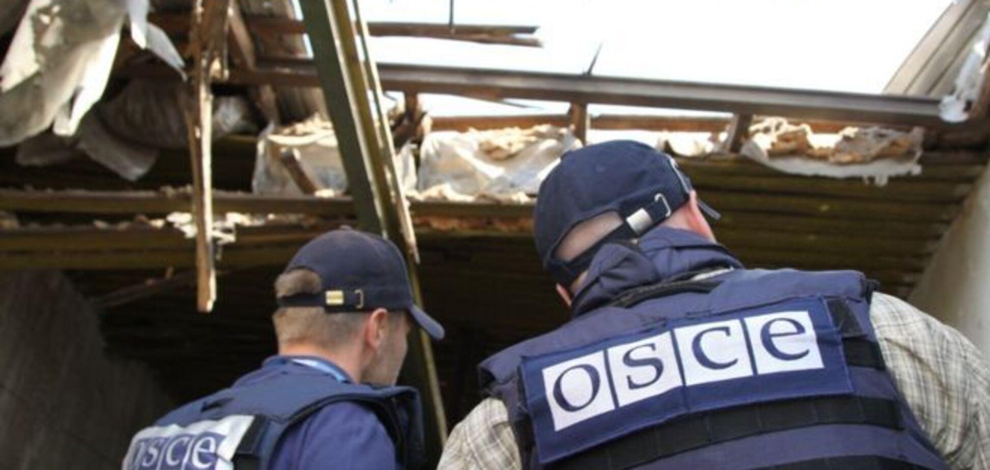 Сотни машин: оккупанты стянули танки и 'Грады' под Луганск