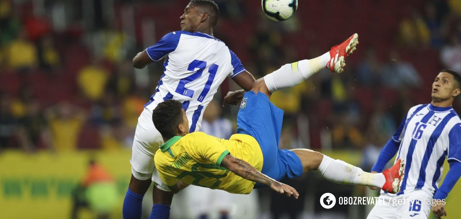 Вслепую: футболист сборной Бразилии забил самый необычный гол Кубка Америки