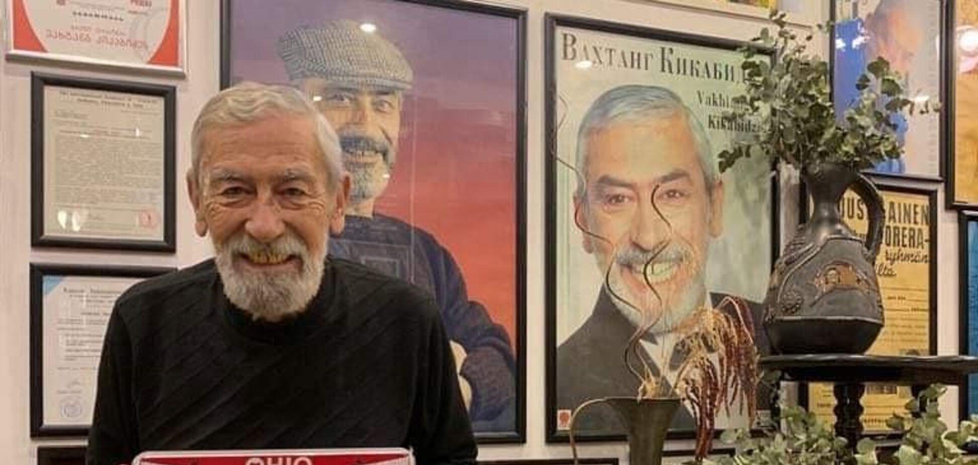 В сети 'похоронили' Кикабидзе: артист ответил неприличным жестом