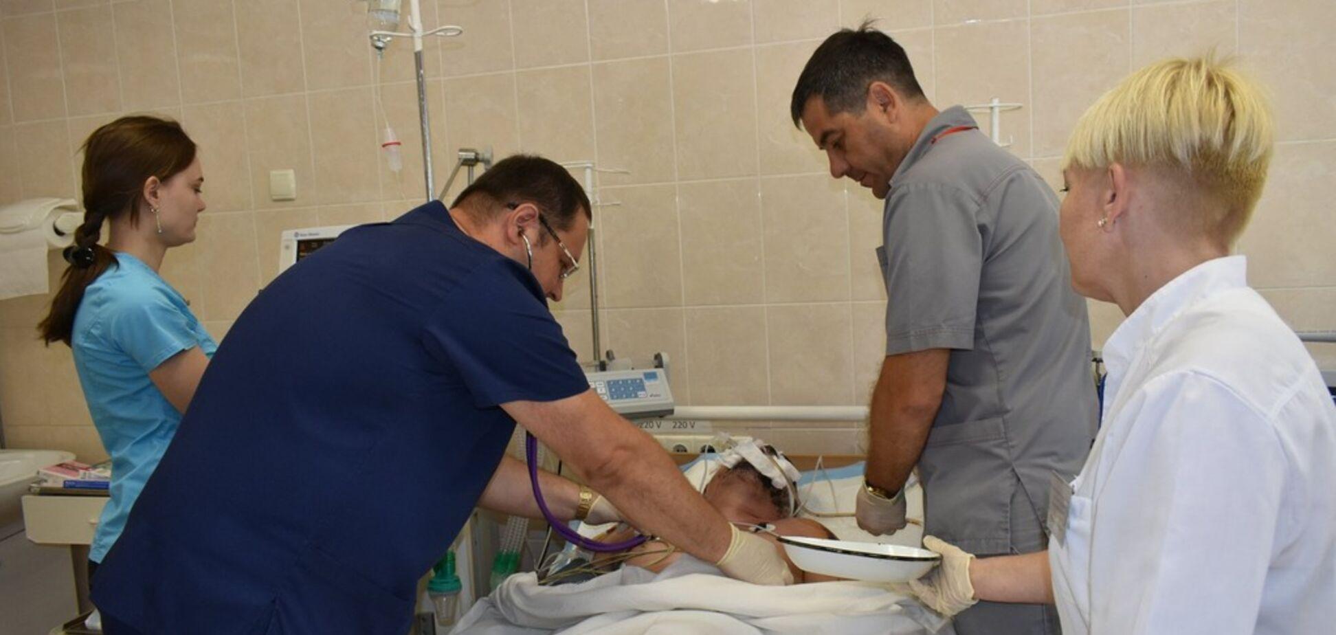 Лицо сгорело, перебитые кости: в Днепре спасают бойца ВСУ