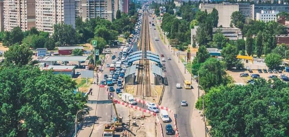 Важный элемент транспортной системы Киева не работает. Дальше возмущаетесь в Facebook?