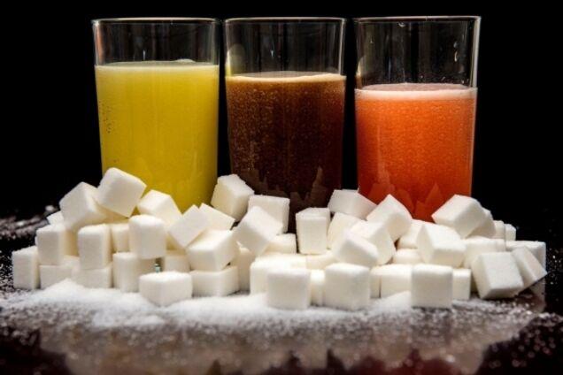У чому небезпека солодких напоїв