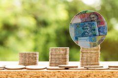 Мінімалка 5 тисяч і новий курс долара: в Мінфіні розповіли, як розбагатіють українці