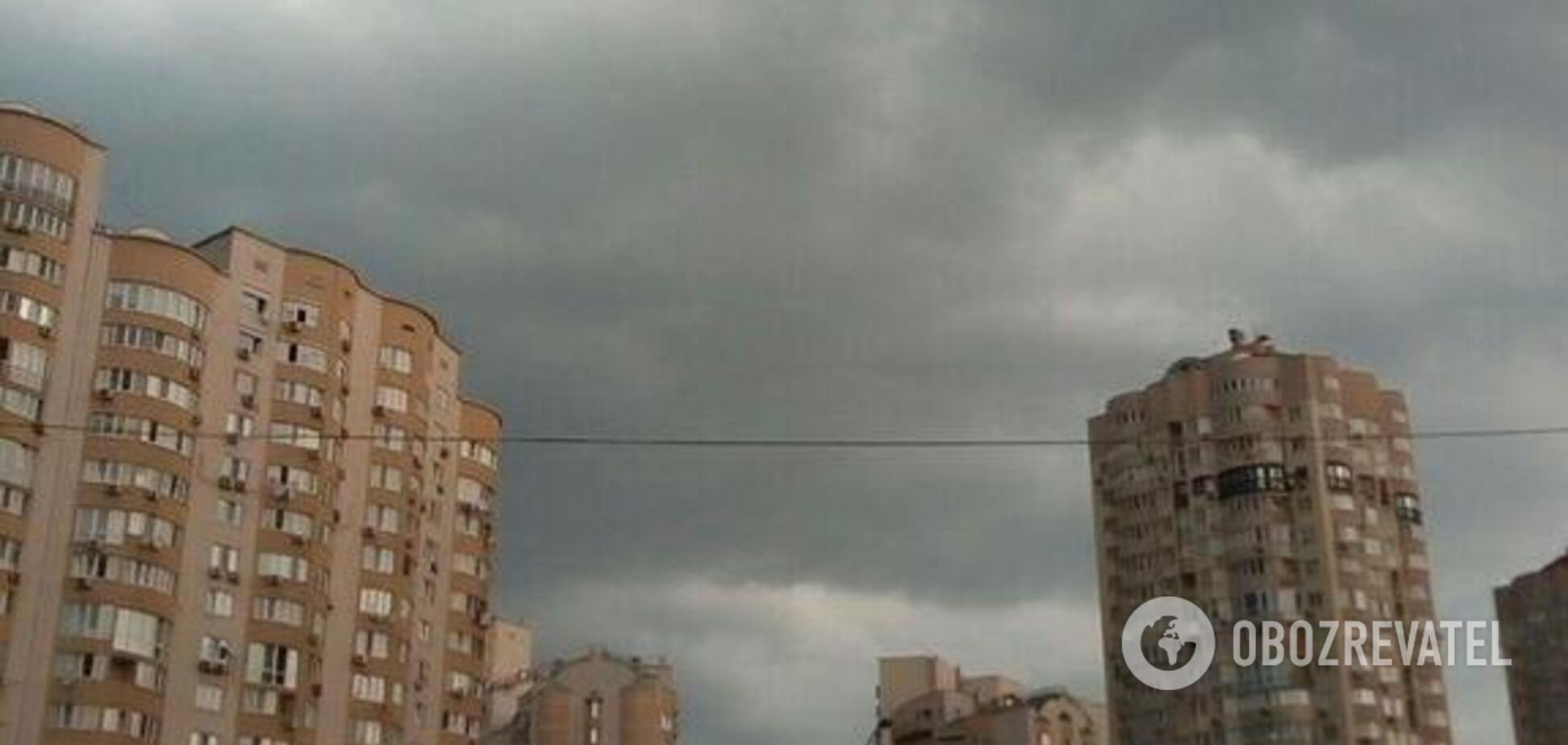 Киев накрыла настоящая буря: фото и видео из разных районов