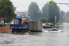 'Пассажиры крестятся, машины тонут': в крупнейшем аэропорту Москвы произошло ЧП