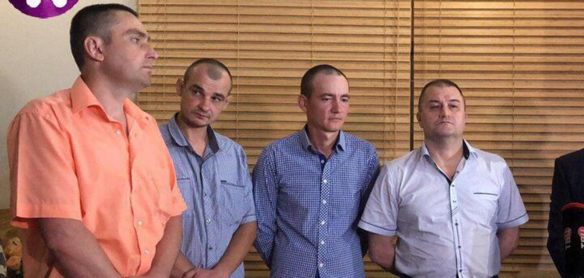 Из плена террористов 'Л/ДНР' освободили четверых бойцов ВСУ: они прибыли в Киев