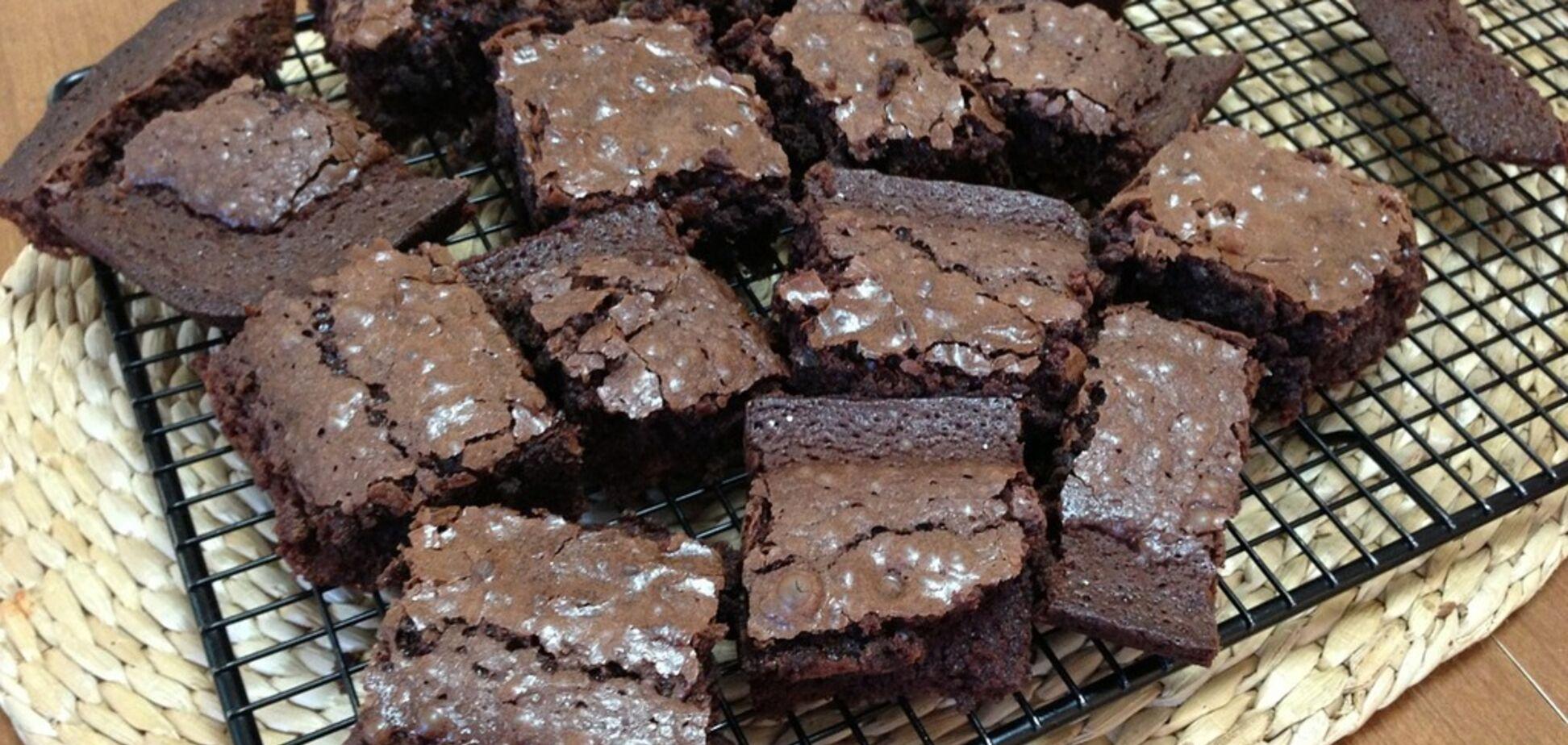 Як приготувати ідеальні шоколадні брауні за півгодини: прості рецепти