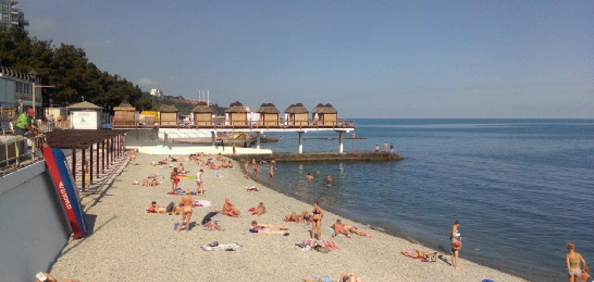 'Найди отдыхающего': в сети показали провальный туристический сезон в Крыму