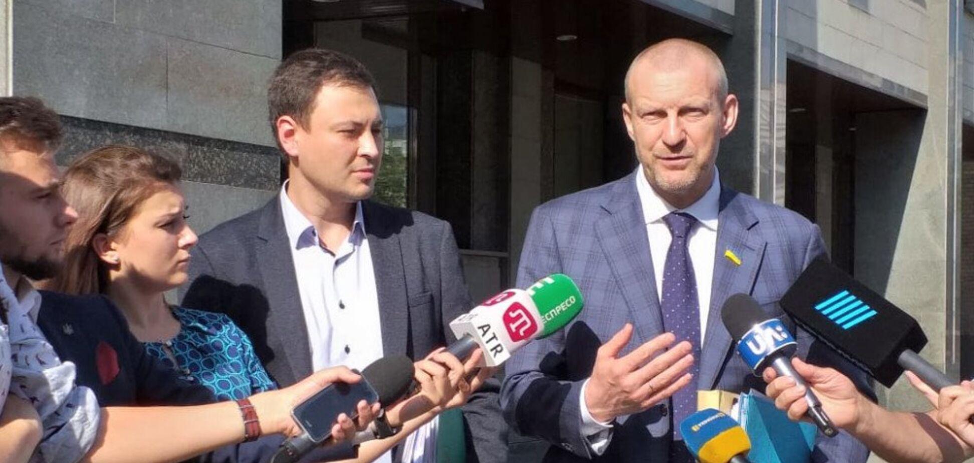 'Народний фронт' надав Конституційному Суду докази існування коаліції